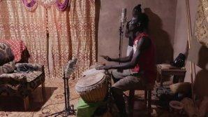 Simon & Greg Record The World S01 EP5: Recording The Family band Asukatendeng
